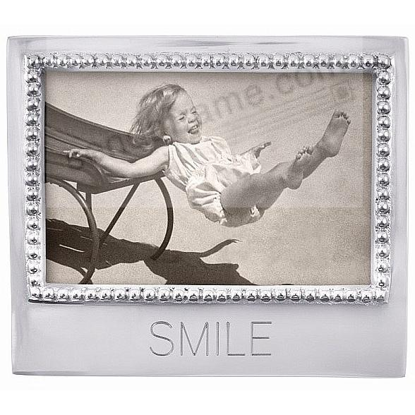 The original SMILE Statement frame for 4x6 prints crafted by Mariposa®