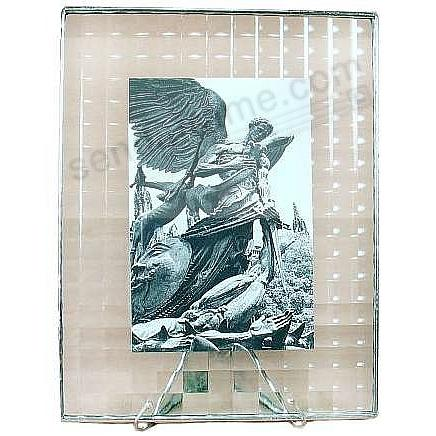 CROSSREED ½-in Pattern Glass Float Frame 9x11/8x10 Silver by Bedford Downing®