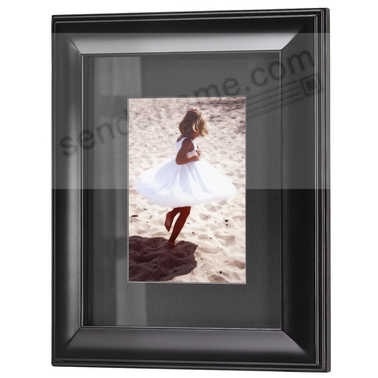 HUDSON Black-Matted Ebony-Black Wood frame 16x20/11x14 from ARTCARE® by Nielsen®