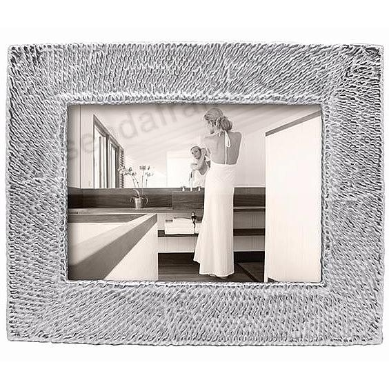 The MUSTIQUE Frame for your 5x7 print by Mariposa®