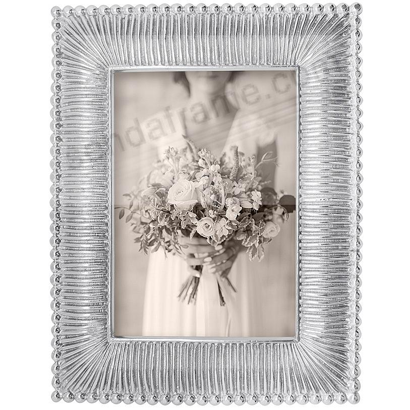 CLASSIC FANNED frame for 5x7 prints by Mariposa
