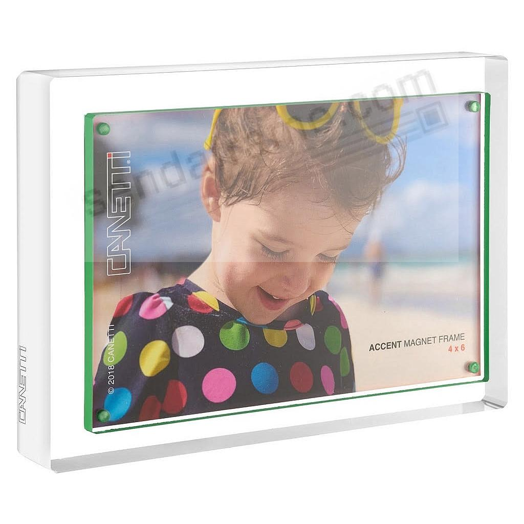 The acrylic MAGNET FRAME with green accent by Canetti®