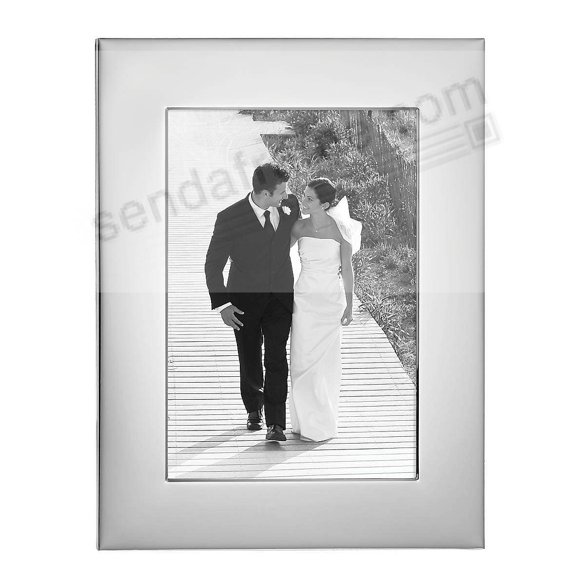 Reed & Barton® Wide Border Silver 5x7 frame - Engraveable